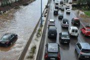 الأمطار تقطع الطريق السيار بين الرباط والبيضاء
