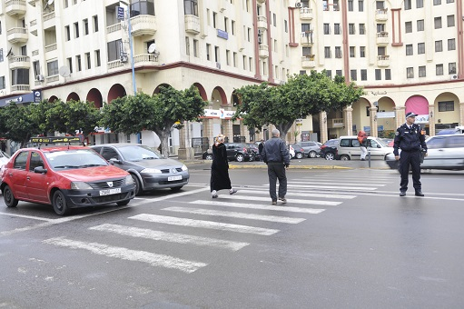 هام.. غرامة 25 درهم تنتظر الراجلين المخالفين لقانون السير