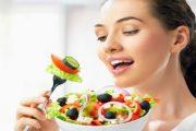 7 أطعمة تساعدك في محاربة علامات التقدم في العمر