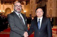 """الملك يستقبل بالدار البيضاء رئيس المجموعة الصينية """"بي. واي. دي أوطو إنداستري"""""""