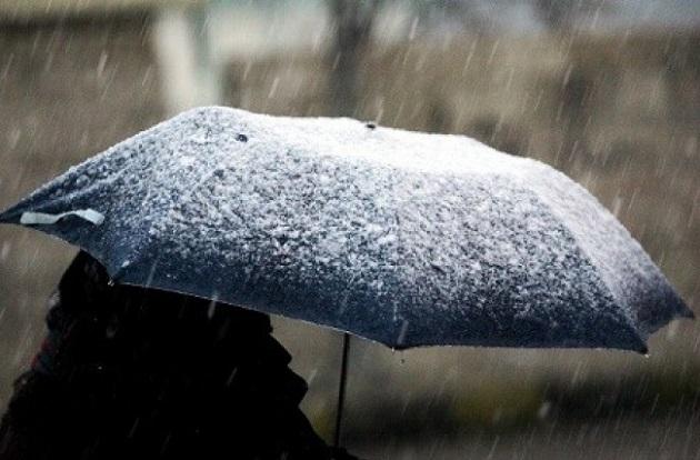 طقس بداية الأسبوع بارد وأمطار رعدية وثلوج تغطي عدة مناطق