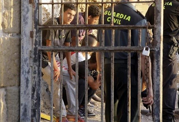 ارتفاع عدد القاصرين المغاربة الذين يتسللون إلى سبتة يؤرق إسبانيا