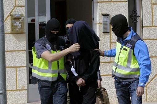 اعتقال مغربي ببرشلونة بتهمة التحريض على قتل الإسبان