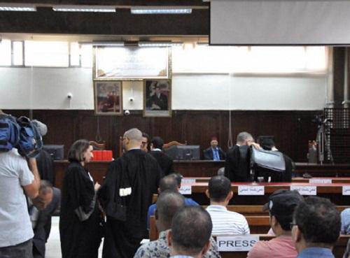محاكمة الزفزافي ورفاقه.. محامي الأمن يكشف عن إصابة أكثر من 900 عنصر خلال الحراك
