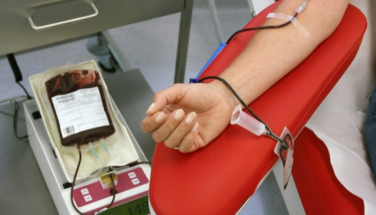 بسبب الخصاص الكبير.. وزارة الصحة تنظم قافلة وطنية للتبرع بالدم