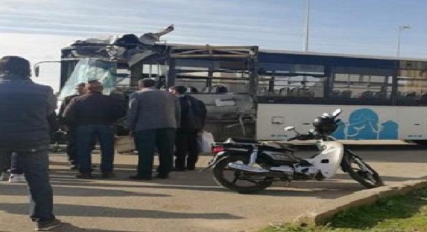 فاس..حادثة سير خطيرة بين حافلة للنقل وسيارة كونغو