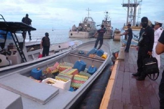 توقيف باروني مخدرات من جنسية إسبانية في سواحل طنجة