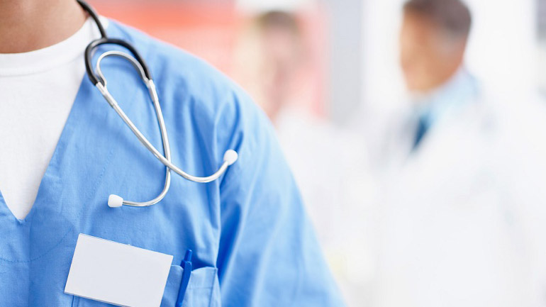 أساتذة الطب بالبيضاء يهددون بوقف الدروس لهذه الأسباب