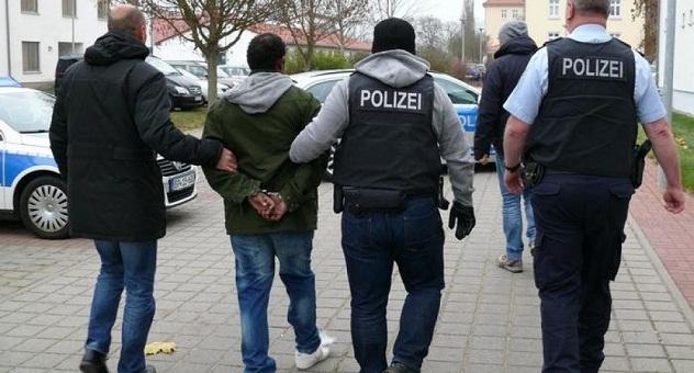 بولونيا تعتقل مسلحا اعتدى على مغاربة وهدد بإحراق منزلهم