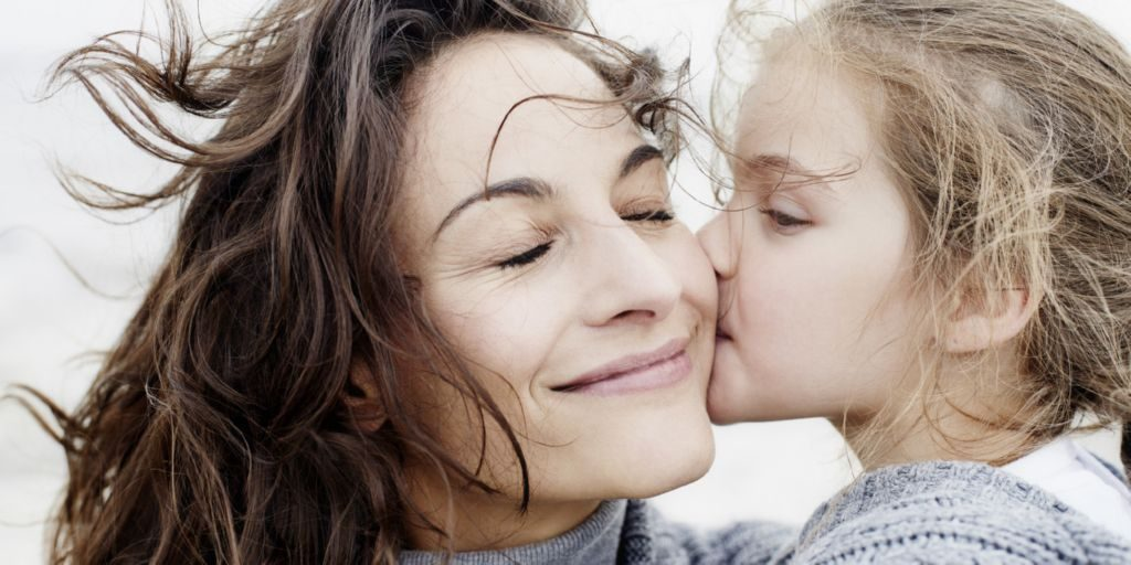 دراسة: صوت الأم أفضل علاج للتوتر والقلق