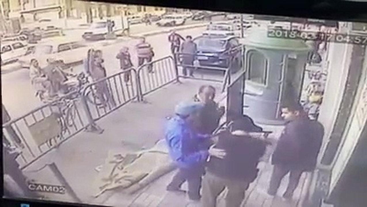 بالفيديو... الشرطة تنقذ طفلا سقط من الطابق الثالث