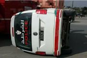 القنيطرة.. انقلاب سيارة للأمن ترسل شرطيين للمستشفى