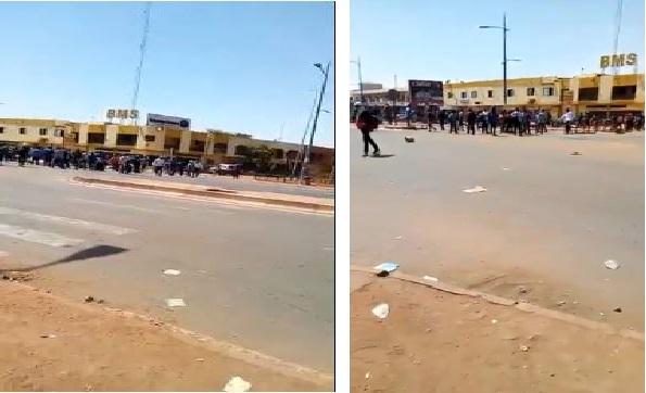 احتجاجات امام السفارة الجزائرية بمالي إثر ترحيل مهاجرين أفارقة