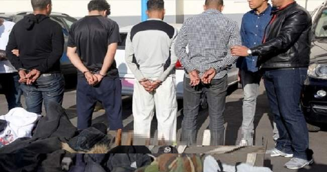 اعتقال ثمانية أشخاص يتاجرون في مصابيح وعصي تصعق بالكهرباء