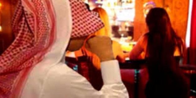 طنجة.. فتاتان تسرقان مواطنا سعوديا والأخير يتنازل عن شكايته