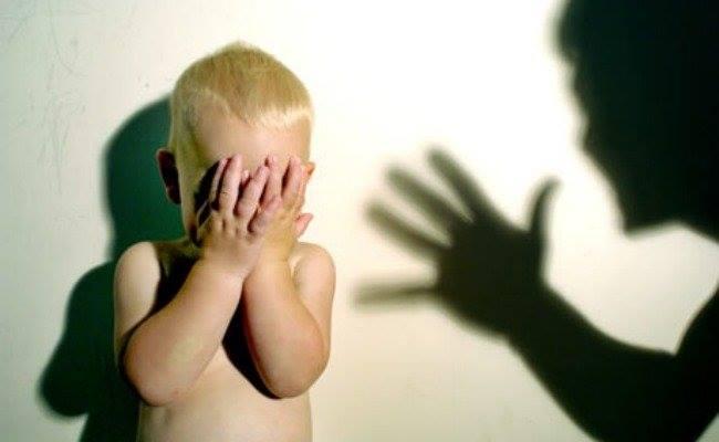 كيف يمكن معاقبة الأطفال بعيدا عن الضرب؟