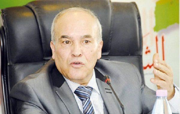 مستشار سابق للحكومة الجزائرية.. البلاد تمر بأزمة منظومة حكم