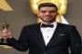 أزارو ينال أوسكار أفضل لاعب بالأهلي