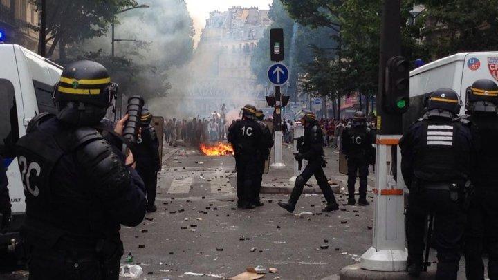 الشرطة الفرنسية تفرق احتجاجات ضد ماكرون بالغاز المسيل للدموع