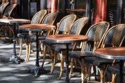 أرباب المقاهي والمطاعم يرفضون استئناف العمل بعد نهاية الطوارئ