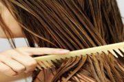 عصير البصل والعسل لعلاج تساقط الشعر وتعزيز نموه
