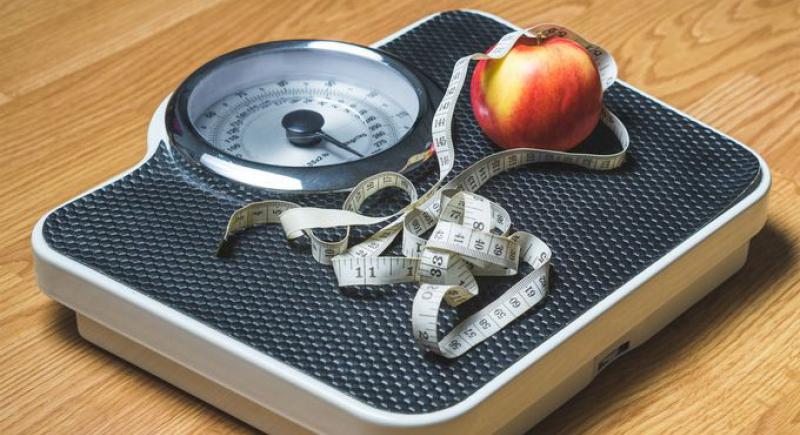 أربع عادات أثناء تناول الطعام قد تساعدك على خسارة الوزن