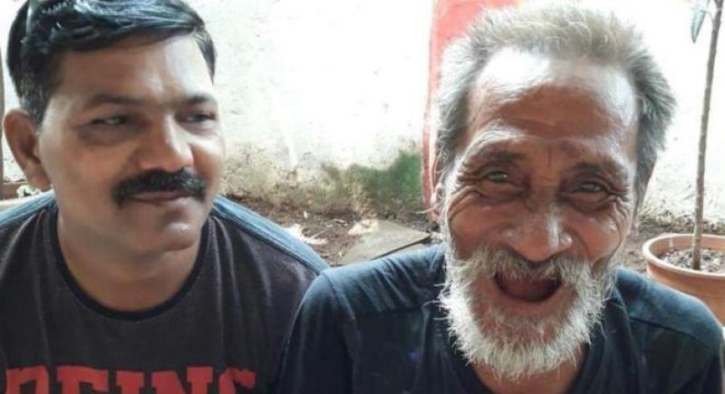 بعد 40 سنة من الغياب.. مقطع فيديو يعيد هندي إلى أهله