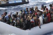 العثور على قارب قرب الحسيمة فقد في البحر منذ 3 أيام وعلى متنه 51
