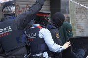 إسبانيا ترحل مغربية بتهمة نشر صور وفيديوهات تمجد