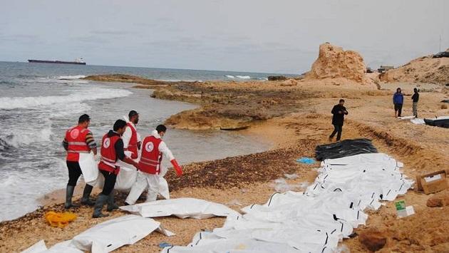 انتشال جثث 11 مهاجرا غرقوا أثناء العبور من ليبيا إلى إيطاليا