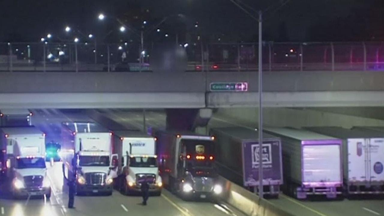بالفيديو .. نهاية غير متوقعة لرجل حاول الانتحار من الجسر