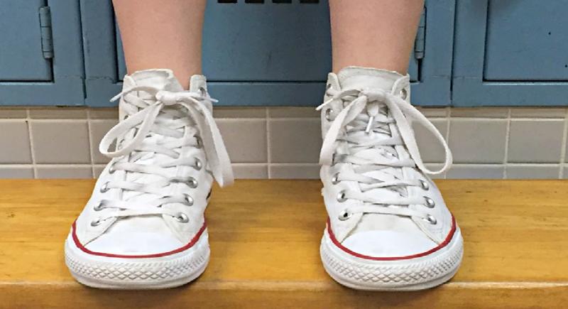 دراسة: أمراض قد تنقلها الأحذية الى البيت