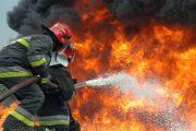 حريق ''شيميكولور''.. السكان يقصدون النوافذ والشرفات خوفا من النيران