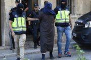إسبانيا توقف 3 أئمة مغاربة بتهمة إرسال