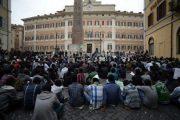 نصف مليون مهاجر مهدد بالطرد والترحيل من إيطاليا