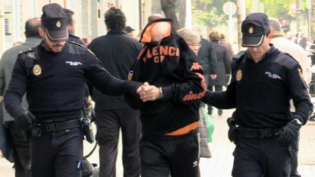 توقيف 4 مغاربة بإسبانيا بتهمة السرقة واحتجاز مواطنة إسبانية
