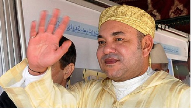 """الملك يدشن """"مسجد صاحبة السمو الأميرة للا لطيفة"""" بسلا ويؤدي به صلاة الجمعة"""