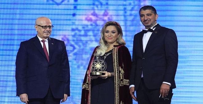 مريم بلخياط تتوج بلقب أفضل مصممة مغربية