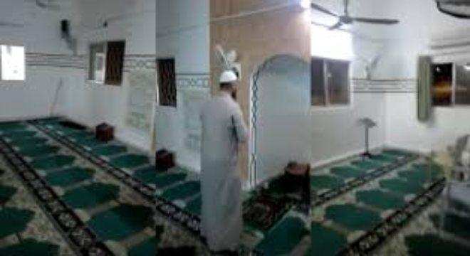 بالفيديو.. إمام مسجد يكمل صلاة التراويح وحيدًا !