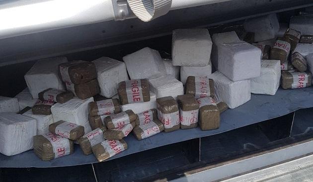 ضبط 300 كلغ من الشيرا داخل سيارة بين مولاي بوسلهام والعرائش