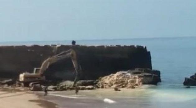 مجهولون يهدمون جرفا بحريا بأكادير والسلطات تحقق في الواقعة