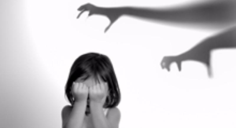 التحرش بالأطفال.. علامات تحذيرية وطرق التعامل معها