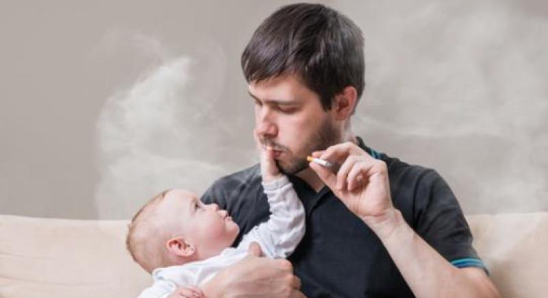 التدخين.. مخاطر مرعبة على أطفالك