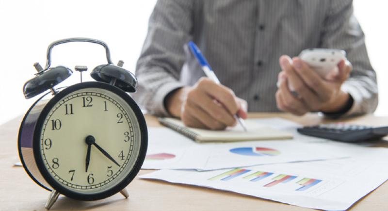 دراسة: العمل لساعات إضافية قد يؤدي للوفاة