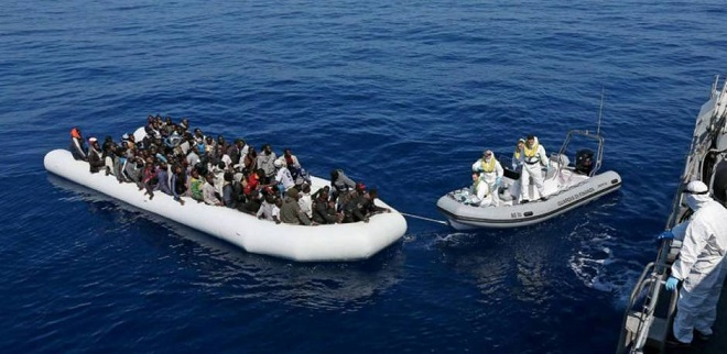 البحرية الاسبانية تغيث 54 مهاجرا سريا في عرض البحر