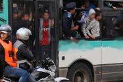 إطلاق 5 رصاصات لتوقيف شخص عرض ركاب حافلة والشرطة للخطر