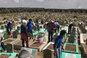 حملة نظافة بمقبرة الغفران لتكريم الموتى وإعادة للمكان حرمته