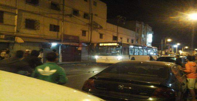الحقيقة الكاملة لرشق حافلة للنقل الحضري بالدشيرة بالحجارة