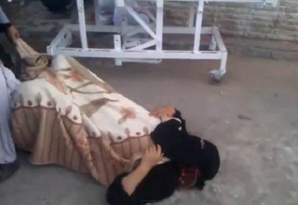 مراكش.. حامل تضع مولودها أمام مستشفى رفض استقبالها