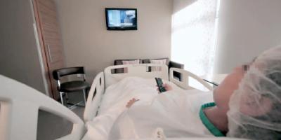 برلمانيون يواجهون الدكالي بغلاء تكاليف العلاج بالمصحات